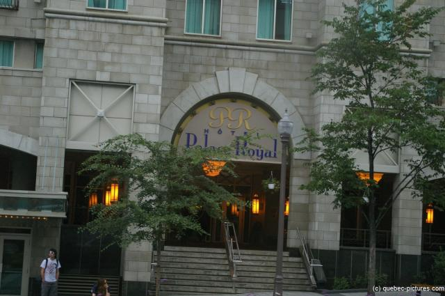 Hotel Palace Royal entrance in Quebec City.jpg